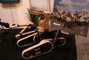 شركة إسمها عاصفة ال�ديد تنتج هذا الجندي الآلي الذي يمكن الت�كم به عن بعد